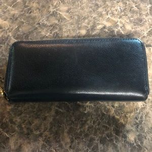 Marc By Marc Jacobs Bags - Marc by Marc Jacobs Classic Q zip around wallet